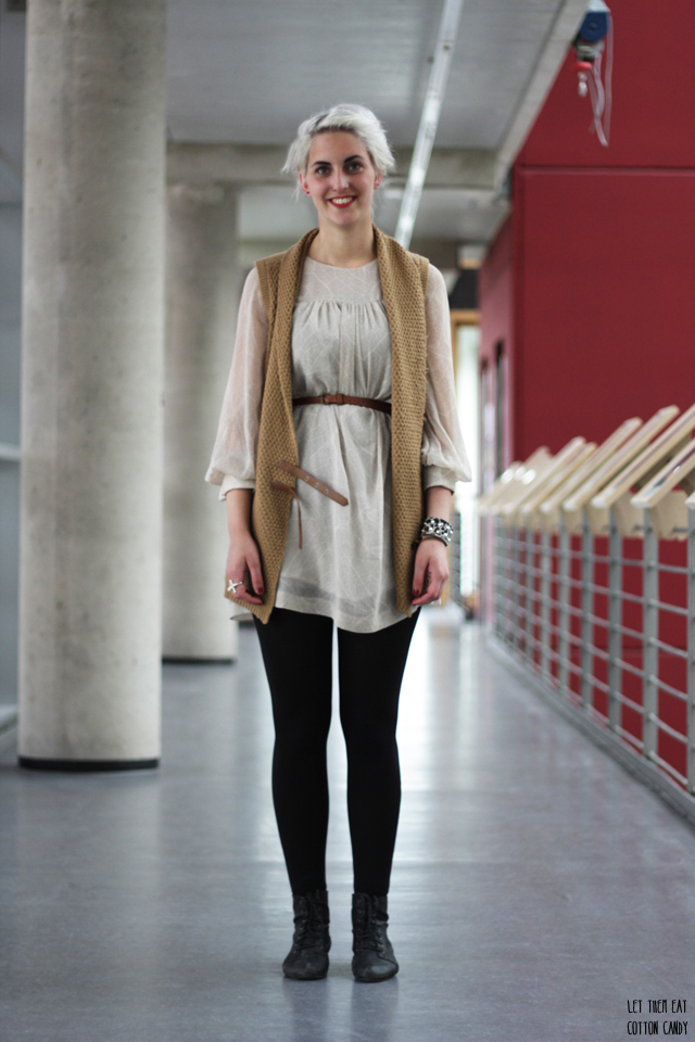 Isabell, Studentin