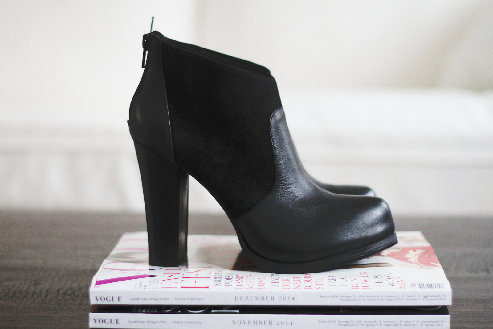 NEW IN / RESERVED ANKLE BOOTS