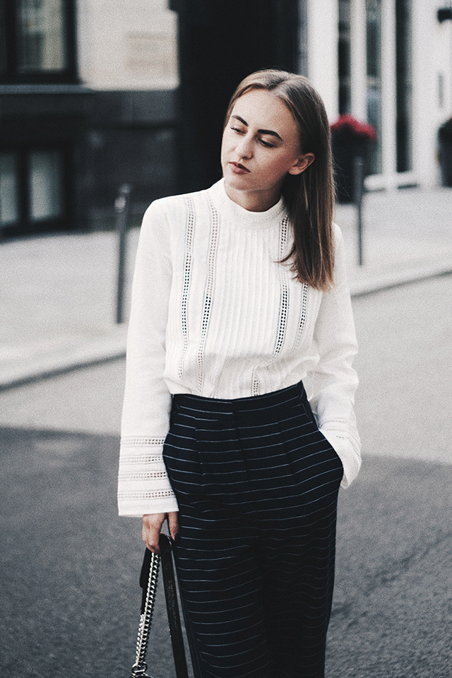 OUTFIT / CLASSY IN NAVY BLUE & WHITE